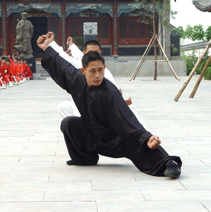 Chen Ziqiang leading a class in Chenjiagou